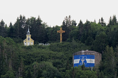Chapel and water tower in Rivire-au-Renard, Qubec (Ullysses) Tags: rivireaurenard chapel chapelle rueparent qubec canada gaspesie summer t watertower tourdeau gasp church glise cross croix