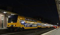 Roosendaal by night (2) (Pieter dB2) Tags: roosendaal ddz intercity ns dubbeldekker station spoor spoorwegen train railway railways eisenbahn
