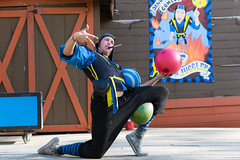 SRF2015CaleTheJuggler-1 (MikeyBNguyen) Tags: juggling renaissancefestival juggler firebreathing scarboroughfaire scarboroughrenaissancefestival calethejuggler srfestival
