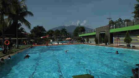 Zam Zam Tirta Wisata Air Di Kaki Gunung Lovely Bogor