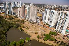 CO_Goinia0280 (Visit Brasil) Tags: horizontal arquitetura brasil skyline lago natureza rua rvore goinia lazer area ecoturismo vegetao panormica cascata semgente centrooeste diurna parqueflamboyant