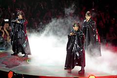Babymetal, Wembley, London, UK (rmk2112rmk) Tags: uk london kawaii su moa wembley yui metalresistance babymetal sumetal moametal yuimetal moakikuchi suzukanakamoto yuimizuno