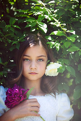 (Rebecca812) Tags: red portrait sunlight white flower green girl beauty leaves fairytale canon outdoors child lace peony foliage hazeleyes snowwhite handholding brownhair rosered canon5dmarkii rebecca812