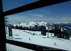 Spring view from the Rendezvous (Ruth and Dave) Tags: mountain snow whistler snowboarding restaurant spring view may skiresort rendezvous blackcombmountain whistlerblackcomb springskiing dwwg