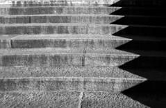 zigzag (Rosmarie Voegtli) Tags: shadow blackandwhite bw stairs shadows zurich treppe schatten 72 zigzag escaliers 116picturesin2016