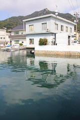 (  / Yorozuna) Tags: sea house reflection building japan port harbor seaside calm hiroshima     takehara          tadanoumi      tadanoumiport