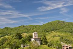 Castel D'Aiano Rocca di Roffeno: Il Monzone (casatorre del 1300) (Paolo Bonassin) Tags: italy tower torri emiliaromagna towerhouse casteldaiano casetorri casatorre monzone roccadiroffeno