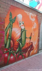 Snail Chef (Virginia Vicente Orna) Tags: graffiti graffity zaragoza