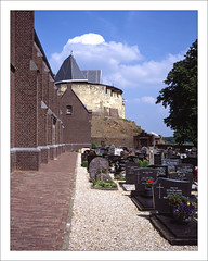 Cemetery - Kessel, Province Limburg / The Netherlands (macfred64) Tags: castle 120 film analog mediumformat ruins thenetherlands rangefinder slide transparency 6x7 provia diapositive fujiprovia100 fujigw670iii meusse fujinon90mmf35 dekeverberg kesselnl