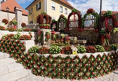 Osterbrunnen Hochstahl (Gr@vity) Tags: panasonic frnkischeschweiz gh4 osterbrunnen lumixgvario714f4