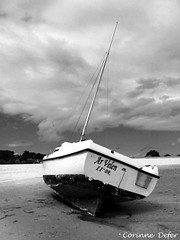 """le Grande"" (Corinne DEFER - DoubleCo) Tags: travel sea blackandwhite bw mer france blancoynegro nature landscapes boat brittany noiretblanc bretagne nb ciel nuage nuages bateau paysage paesaggi paysages rochers paisagens landschaften  corinnedefer updatecollection ucreleased"