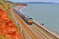 DRS (ROG loan) 66425 - Dawlish (South West Transport News) Tags: stock shed rail move derby services direct loan rog gwr dawlish mk3 drs laira 66425 5v47