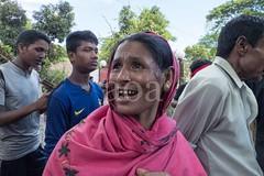H504_3376 (bandashing) Tags: red england people men green manchester dance women shrine pray crowd sing sylhet bangladesh socialdocumentary mazar aoa shahjalal bandashing suparistainedteeth akhtarowaisahmed treecuttingfestival lallalshahjalal