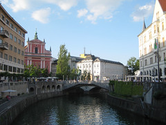 triple_bridge_preseren_square (Wiebke) Tags: ljubljana slovenia europe vacationphotos travel travelphotos ljubljanica ljubljanicariver river