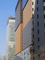 Layer Cake Building (Travis Estell) Tags: officebuildings korea seoul southkorea jongno republicofkorea jongnogu
