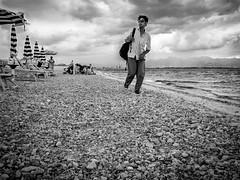N6 (Antonio Donadio) Tags: street mare spiaggia ambulante coriglianocalabro migranti schiavonea