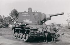 Kliment Voroshilov 2 heavy artillery tank, KV-2