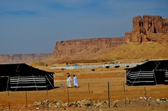 DSC_6182 Saudi Friendship. KSA (Santiago Sanz Romero) Tags: desert saudi arabia ksa saudis