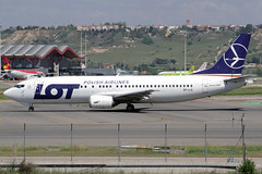 LOT Polish Airlines Boeing 737-45D SP-LLG MAD 18-04-15 (Axel J. ✈ Aviation Photography) Tags: madrid airport aircraft aviation lot airline boeing mad flughafen flugzeug aeropuerto flugplatz avion 737 airfield aviação aviones adolfo vliegtuig barajas aviación luftfahrt luchthaven fluggesellschaft polishairlines spllg suárez""