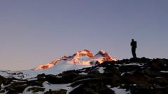 We don't see the world as it is, we see it as we are/No vemos el mundo que es, vemos el mundo que somos. (Pajaro Post) Tags: patagonia ice nieve amanecer bariloche paraso tronador parquenacionalnahuelhuapi snowwwwwwwwwwww