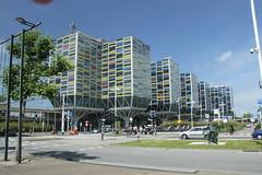 Zilveren Kruis_370 (leoval283) Tags: leiden zilverenkruis kantoor architectuur kleurrijk