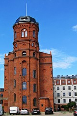 red tower :) (green_lover) Tags: tower yrardw poland buildings architecture industrial town hometown redbrick history cars