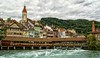 Puente de madera - Thun (bervaz) Tags: bridge water puente agua suiza sony thun 18200 aare a100 thunersee 18200mmf3556 dslra100