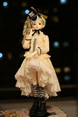 IMG_8302 (Emma Wolf) Tags: doll bjd customblythe obitsucustom classydoll dimdolllarina mystickids zinnadollmore