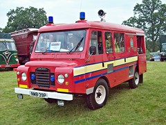 579 Land Rover Series III Forward Control (1975) - Carmichel Fire Tender (robertknight16) Tags: fire cheshire british 1970s emergency landrover landy redwing astlepark carmichel nmb39p