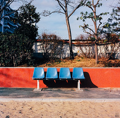 4-seater (yasu19_67) Tags: park film japan analog mediumformat square chair empty 85mm squareformat osaka kowa photooftheday filmphotography 66 kowasix filmism