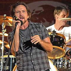 Photo (plaincut) Tags: music tears with sting covered article pearl jam msg ew artic driven plaincut