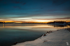 Evening atmosphere at Lake 'Elliavatn' (Astro-Foto-Tom) Tags: winter sunset sky lake snow water landscape evening iceland twilight natur reykjavik shore dmmerung heimrk langzeitbelichtung abendstimmung elliavatn