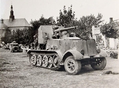 "8,8cm Pak 68 monted on halftrack chassis • <a style=""font-size:0.8em;"" href=""http://www.flickr.com/photos/81723459@N04/27219701633/"" target=""_blank"">View on Flickr</a>"