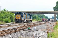 Sunday Off in Owensboro (BravoDelta1999) Tags: csx louisvilleandnashville ln railroad lhstlsubdivision owensboro kentucky emd gp402 6907