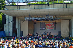 MAINSTAGE (spongerob10) Tags: seagulls chicago architecture tickets otis blues clay concerts merch rickshaw fest buckinghamfountain bluesfest chicagopolice cna 2016 congresstheater chicagopolicedepartment chopper7