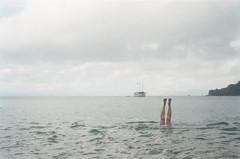 (Juliana M. M. Soares) Tags: sea feet 35mm freedom mar lomo ps