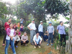 Training participants learning hands-on practice of composting (CGIAR Climate) Tags: vietnam climatechange vermiculture composting wastemanagement