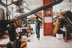 Tea factory. (Melissa Kumaresan) Tags: massivedork canon canon600d vsco vscocam dslr tumblr travel holiday vacation srilanka asia kandy tea factory teafactory indoor people machines industrial