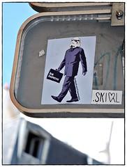 13 - Paris Rue Saint-Dominique Sticker derrière un panneau de signalisation (melina1965) Tags: streetart paris macro nikon sticker îledefrance stickers april 75007 macros avril autocollant streeart 2015 d80 autocollants 7èmearrondissement