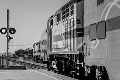 Metrolinks crossing at Burbank (SantaFe5811) Tags: california railroad travel vacation usa losangeles holidays sandiego trains amtrak mojave unionpacific burbank metrolink railways railfan tehachapi bnsf pacificsurfliner surfliner perris f59phi amtrakcalifornia es44ac mp36ph3c c45accte scrx