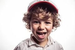 Enzo (Alex De Morire) Tags: boy canon studio flash blond casquette highkey enfant 24105mm octobox canon6d