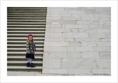 look! (ekkiPics) Tags: wien street family love girl stairs candid snapshot belvedere flickrmeet mdchen lookingback theglobalcamelcommittee vienna2016