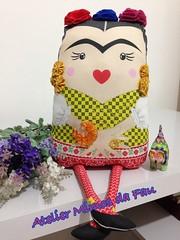 Boneca Frida Kahlo (Atelier Mimos da Fau) Tags: fridakahlo boneca contas floresdefeltro fuxicos