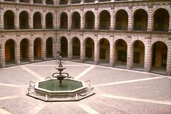 ARCHI (GRAZIE PER LA VISITA) Tags: mexicocity columns architettura colonne diapositive messico scansioni epsonv550photo