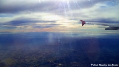Flying under a magical light - Voando sob uma luz mgica. (VCLS) Tags: light brazil sky cloud luz brasil plane airplane landscape photo flickr foto image magic flight picture cu fotografia avio nuvem magical voar imagem vo valmir mgica vcls valmirclaudinodossantos