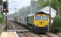 66590 Ingatestone LC 2 (kitmasterbloke) Tags: railroad train outdoor railway essex mainline greateastern