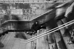 Santiago. (Jonathan Prssing) Tags: leica leicam9 summicron summicron35mm streetphotography street santiago chile callejera 35cron 35mm bw bn blackwhite jdsp jonathanprussing