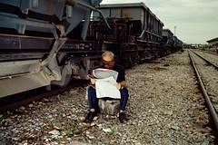 * (Sakulchai Sikitikul) Tags: street leica film train 35mm thailand newspaper kodak flash streetphotography railway snap summicron 200 songkhla ttl m6 085