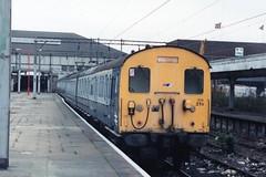 302 215 (Sparegang) Tags: 302215 class302 geemu brblueandgrey tilburyriverside britishrail easternregion lts