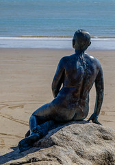 Gazing out to sea (Rupert Brun) Tags: sea england woman english feet look statue bronze kent unitedkingdom figure mermaid gaze channel longing englishchannel folkestone corneliaparker explored